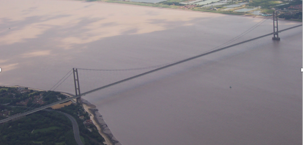 Picture from https://commons.wikimedia.org/wiki/File:Humber_Bridge_From_Air.jpg